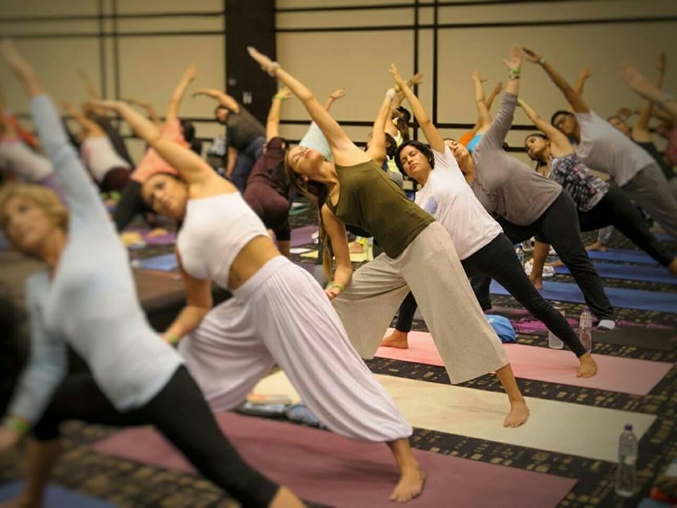 Conoce los ocho beneficios de practicar yoga