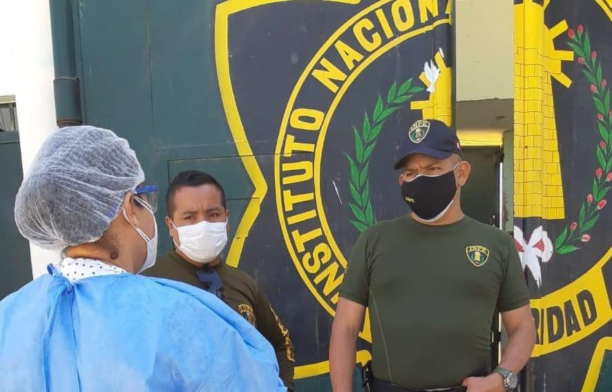 internos están infectados de covid-19