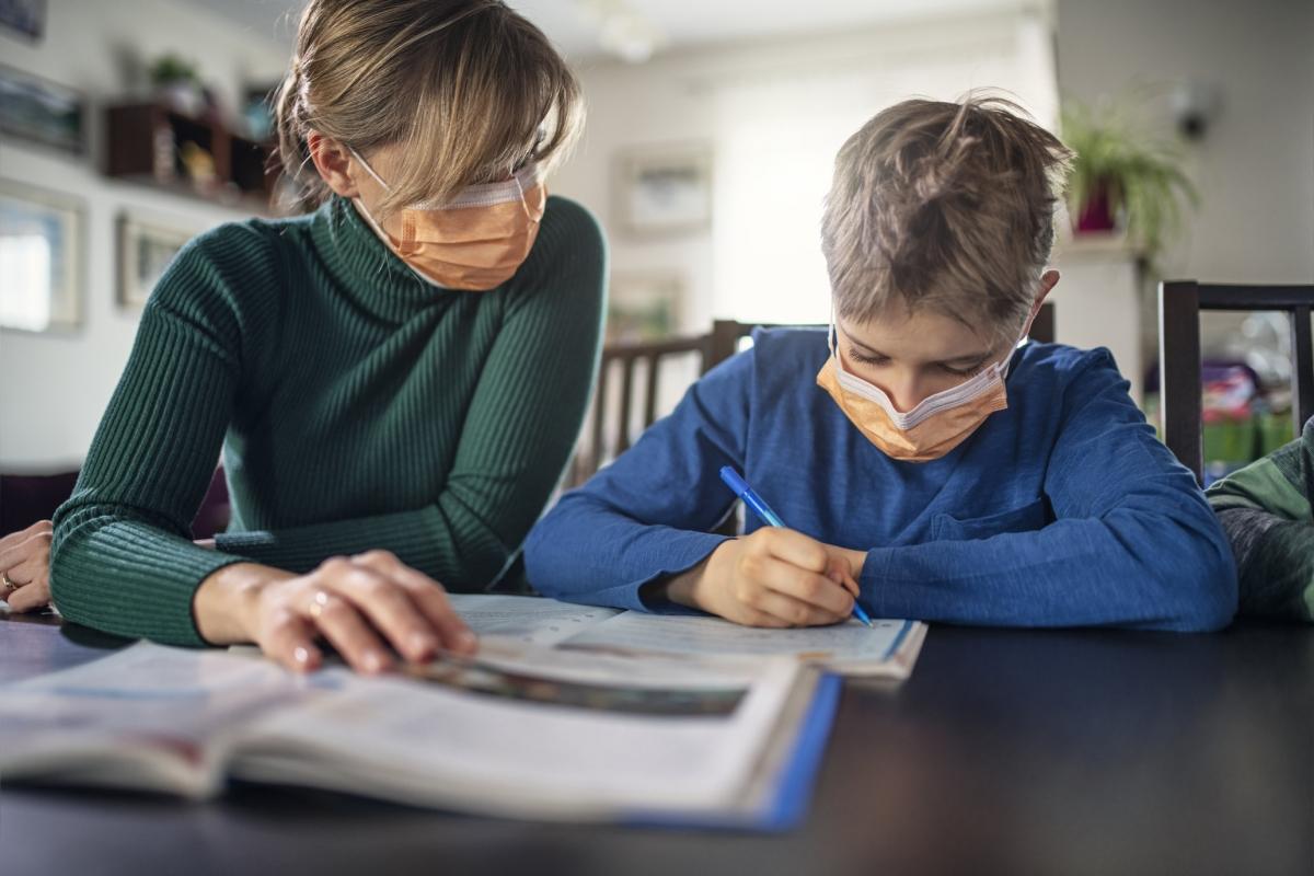 Escuelas no son motor principal de contagios.