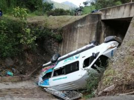 Despiste de miniván deja 5 heridos en vía Canchaque – Huancabamba. Foto. William Tocto Cunia.