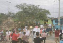 Los manifestantes bloquearon el pase a Aybaca. Foto: Cutivalú