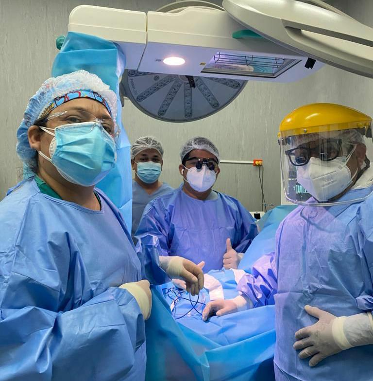 Bebé es operado en el Hospital Santa Rosa