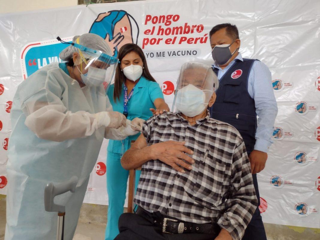 Inicia vacunación de adultos mayores de 80 años en La Unión