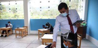 Cerca de 2 mil docentes de colegios rurales de Piura serán priorizados en vacunación