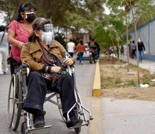 Realizan campaña benéfica para adultos mayores y personas con discapacidad de VDO