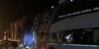 Choque de ómnibus interprovincial deja un fallecido y al menos 10 heridos