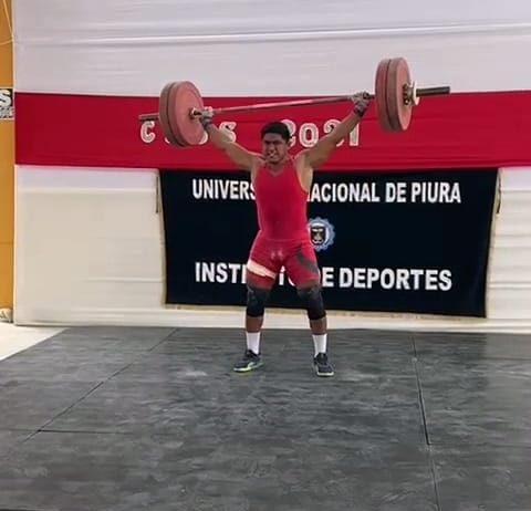 Estudiante unepino bate récord en torneo nacional de pesas