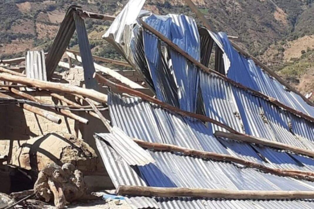 Familias afectadas por vientos fuertes en Canchaque reciben atención de emergencia
