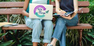 """200 escolares becarias de """"Girls for Change"""" se reunieron con la exministra Antonieta Alva"""