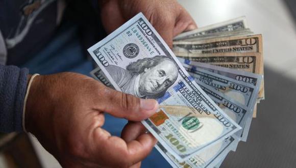 Conoce cómo ahorrar cuando el dólar está más alto